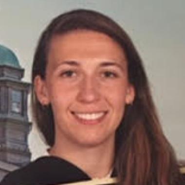 Emma Darbinian headshot