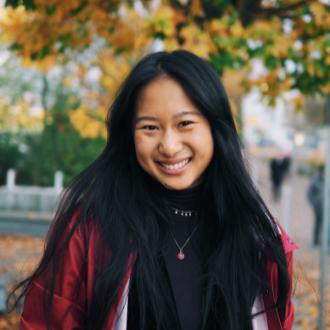 Stephanie Yu headshot