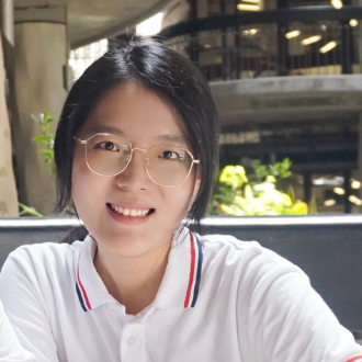 Yilin Zhang headshot