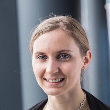 Hana Sedlackova headshot