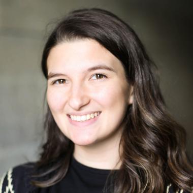 Laura DeSousa headshot