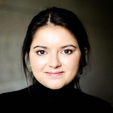 Madelaine Coelho headshot